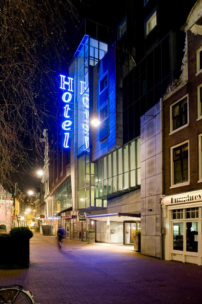 Amsterdam centre hotel america 39 s best lifechangers for Amsterdam hotel centro
