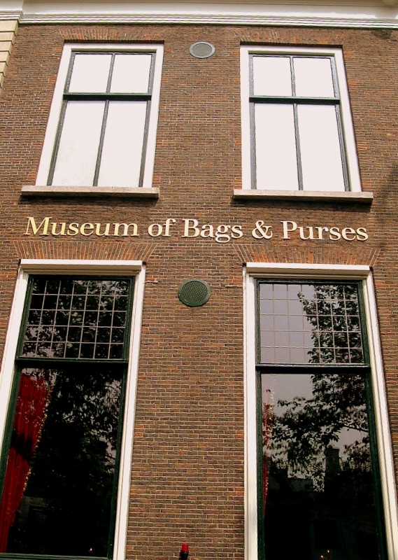 Tassenmuseum hendrikje museum of bags and purses in for Museum amsterdam