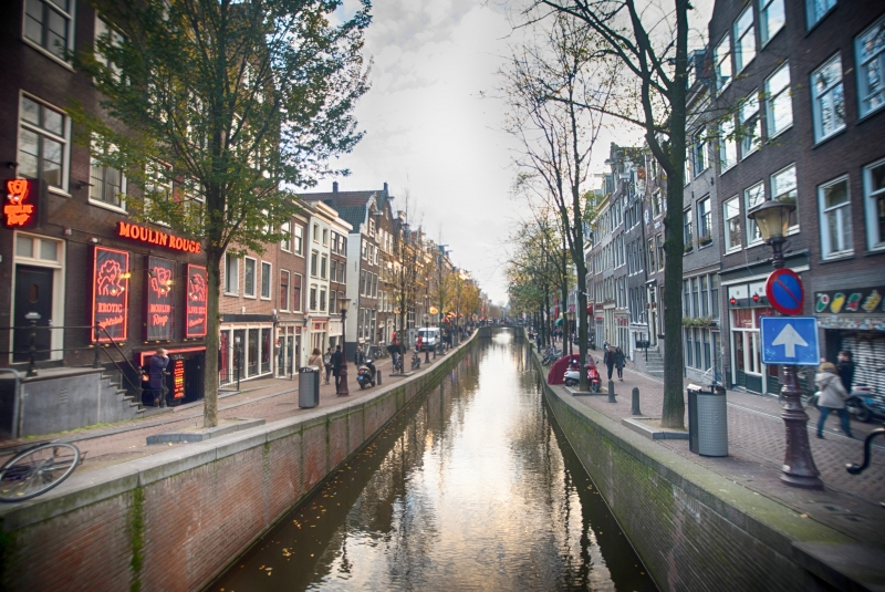 news amsterdam prostitutes offer huge red light district discount