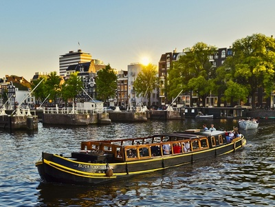 Amsterdam Canal Barge For Rent