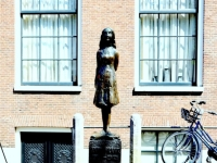 Amsterdam Museum Anne Frank Statue