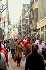 Kalverstraat shopping Amsterdam Kalverstraat live web cam.