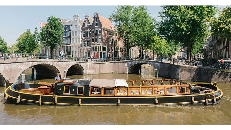 Amsterdam canal cruise luxury dinner boat exterior